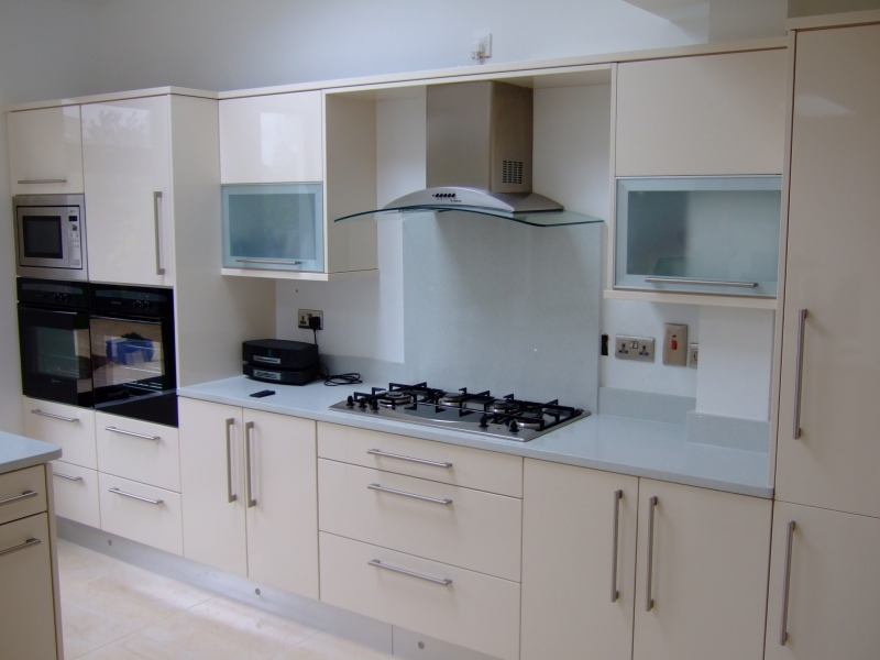 Glossy Ivory Contemporary Kitchen  Parle Furniture
